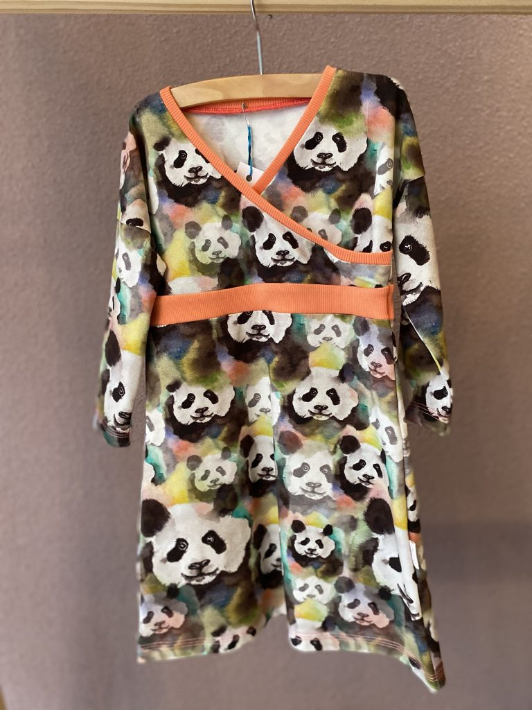 Overslag jurk panda maat 98